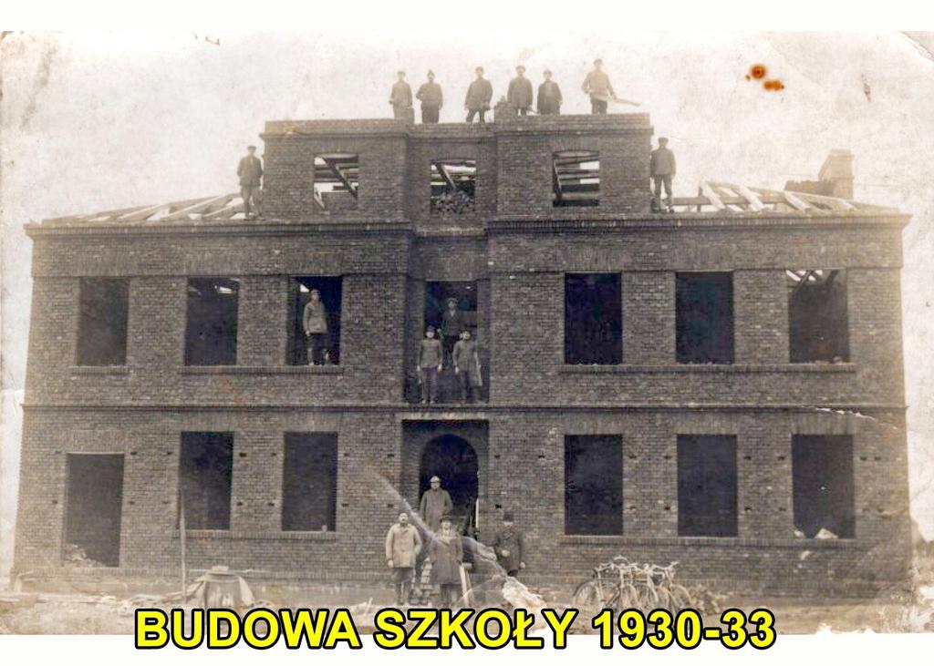 Budowa szkoły 1930-33.jpeg