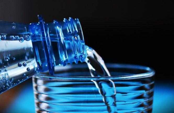 moje-dzieci-piją-wodę-665x435.jpeg