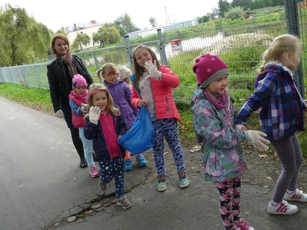 Ania z dziećmi.jpeg