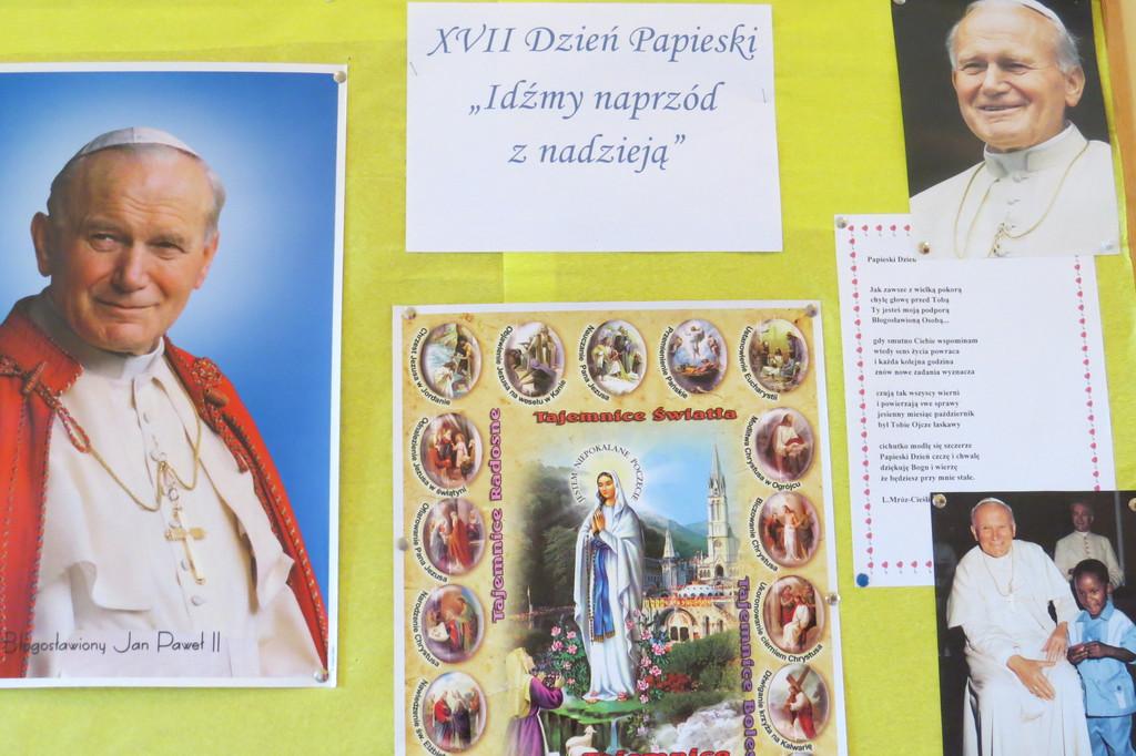 Dzień Papieski.jpeg
