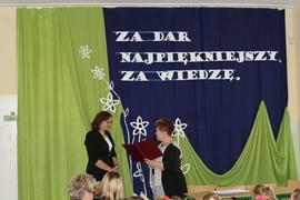 Galeria Za dar najpiękniejszy, za wiedzę...akademia z okazji Dnia Nauczyciela
