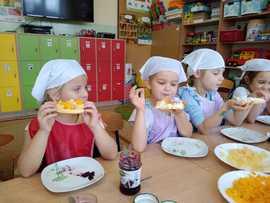 Galeria Gofry i bułeczki na podwieczorek w przedszkolu