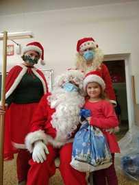 Galeria Św. Mikołaj z wizytą w grupie najstarszej w przedszkolu w dniu 7 grudnia 2020 roku.
