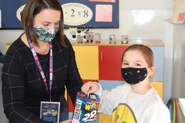 Galeria Uczniowie klasy III wspierają WOŚP 2021