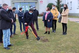 Galeria Przekazanie placu szkolnego pod budowę sali gimnastycznej 16.03.2021