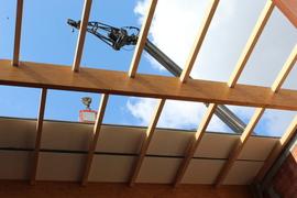 Galeria Montaż płyt warstwowych dachu sali gimnastycznej