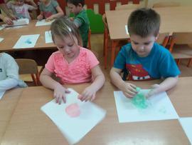Galeria Eksperymenty w małym przedszkolu