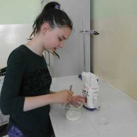 Galeria Pokazy doświadczeń na lekcjach chemii