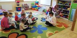 Czytanie w przedszkolu.jpeg